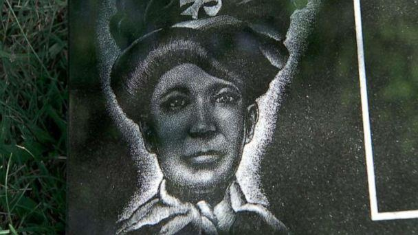 PHOTO: A photo of Nancy Green is etched into her headstone. (ABC News)