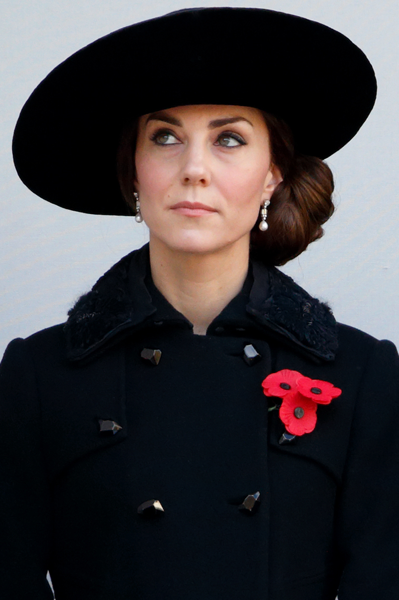 <p>Kate was a spitting image of Diana for the same service in November 2016, even down to the pearl details and placement of the poppies. </p>
