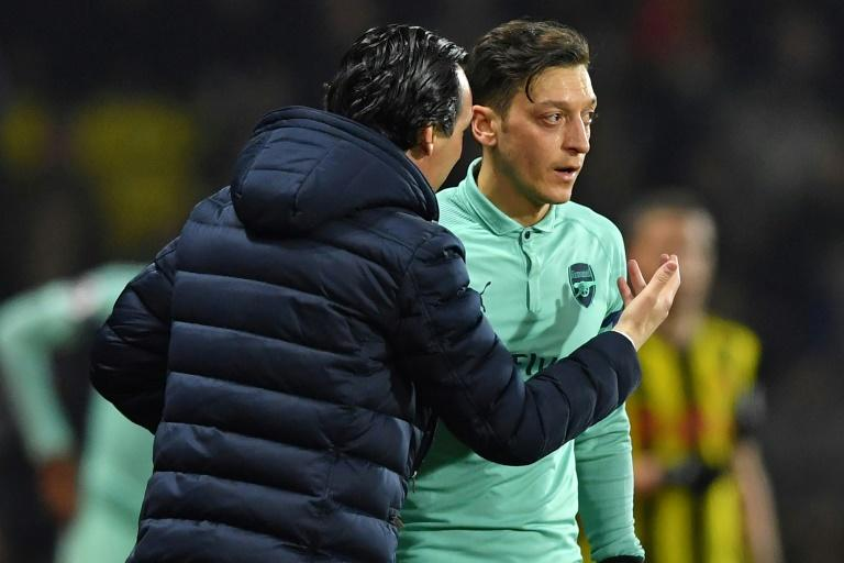 Mesut Ozil sends clear message to Arsenal about his future