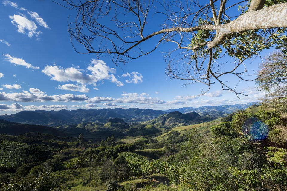 Landscape of southern Minas Gerais with hills and trees