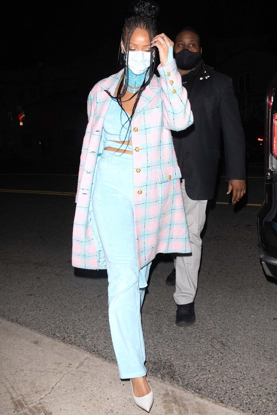 <p>Rihanna enjoyed dinner at Giorgio Baldi in Santa Monica, California.</p>