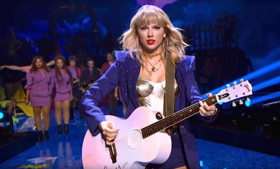 """<p>Offering a mix of onstage and backstage footage and intimate interviews, this documentary gives viewers an inside look at the life of pop star <a class=""""link rapid-noclick-resp"""" href=""""https://www.popsugar.co.uk/Taylor-Swift"""" rel=""""nofollow noopener"""" target=""""_blank"""" data-ylk=""""slk:Taylor Swift"""">Taylor Swift</a>, beyond her Reputation tour. She covers everything from struggles with disordered eating to her mom's cancer diagnosis and her journey to finding her voice. It's a must-watch for T-Swift fans.</p> <p><a href=""""http://www.netflix.com/title/81028336"""" class=""""link rapid-noclick-resp"""" rel=""""nofollow noopener"""" target=""""_blank"""" data-ylk=""""slk:Watch Miss Americana on Netflix"""">Watch <strong>Miss Americana</strong> on Netflix</a>.</p>"""
