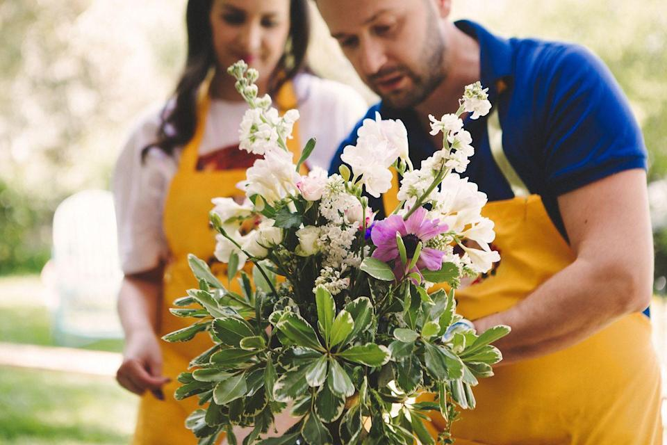 """<p>Back-to-school season may be a distant memory—but chances are, if you're anything like us, there's still plenty of things you don't know how to do. (Think: flower arranging, knitting, woodcarving, painting, salsa dancing, and even cocktail making.) So, for your next date night, take a class on something you're both interested in. In addition to any local options, there are also plenty of virtual courses to consider: for classes taught by Joyce Carol Oates, Gordon Ramsey, and other celebrities and industry leaders, try <a href=""""https://go.redirectingat.com?id=74968X1596630&url=https%3A%2F%2Fwww.masterclass.com%2F&sref=https%3A%2F%2Fwww.oprahdaily.com%2Flife%2Frelationships-love%2Fg28182090%2Fromantic-fall-date-ideas%2F"""" rel=""""nofollow noopener"""" target=""""_blank"""" data-ylk=""""slk:MasterClass"""" class=""""link rapid-noclick-resp"""">MasterClass</a>; for learning a new language, download <a href=""""https://www.duolingo.com/"""" rel=""""nofollow noopener"""" target=""""_blank"""" data-ylk=""""slk:the Duolingo app"""" class=""""link rapid-noclick-resp"""">the Duolingo app</a>; and for tutorials on quilting, painting, crocheting, and more crafts, look at <a href=""""https://www.mybluprint.com/"""" rel=""""nofollow noopener"""" target=""""_blank"""" data-ylk=""""slk:the Craftsy app"""" class=""""link rapid-noclick-resp"""">the Craftsy app</a>. </p>"""