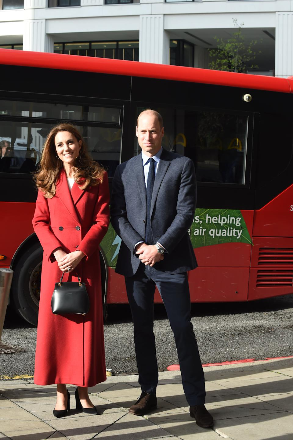 LONDON, ENGLAND - OCTOBER 20: Prince William, Duke of Cambridge and Catherine, Duchess of Cambridge visit the launch of the Hold Still campaign at Waterloo Station on October 20, 2020 in London, England. (Photo by Jeremy Selwyn - WPA Pool/Getty Images)