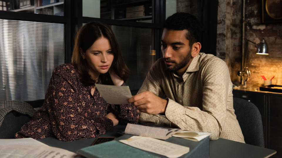 Felicity Jones and Nabhaan Rizwan bond over correspondence from the past in 'The Last Letter From Your Lover'. (Parisa Taghizadeh/StudioCanal)