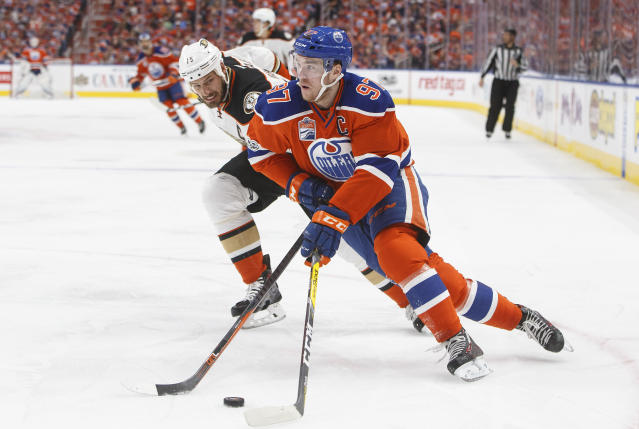 Blessed with the No. 1 pick in your Yahoo fantasy hockey draft? There's only one player you need to think about drafting, and that's Edmonton's Conor McDavid. (Jason Franson/The Canadian Press via AP)