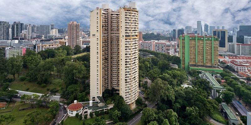 <p><img/></p>Pearlbank Apartments, a 37-storey development in Outram, has been sold via private treaty to CapitaLand for $728 million, following the close of its collective sale tender on 19 December 2017, revealed marketing agent Colliers International...