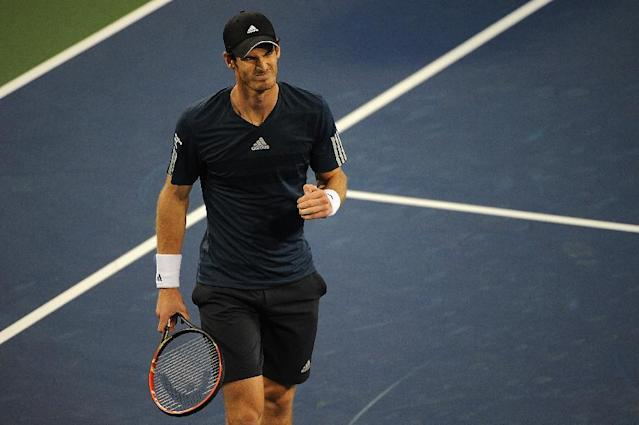 Andy Murray of Great Britian reacts during a match against Roger Federer of Switzerland on day 7 of the Western & Southern Open at the Linder Family Center on August 15, 2014 in Cincinnati, Ohio (AFP Photo/Jonathan Moore)