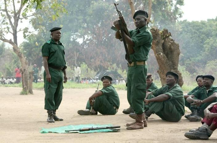 """Former Mozambican rebel movement """"Renamo"""" will hand over their weapons as part of the peace deal (AFP Photo/Jinty Jackson)"""