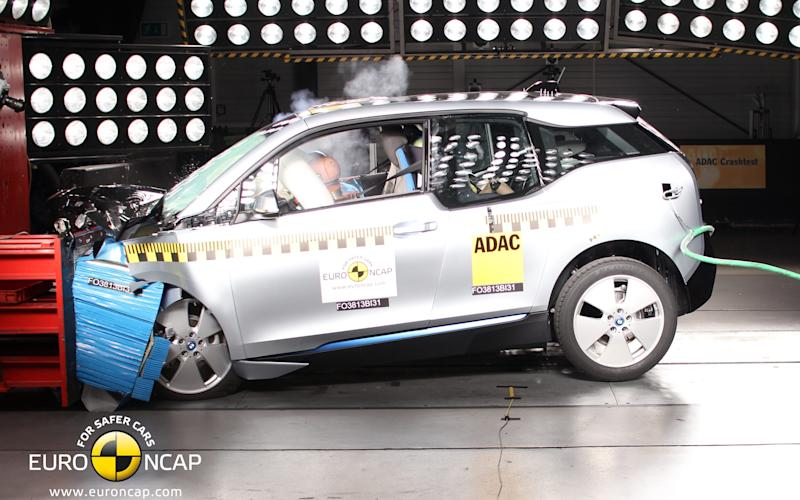 BMW i3 electric car - crash test