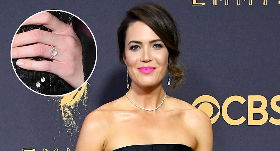 A close-up of Mandy Moore's engagement ring. (Photo: AP IMages/WireImage)