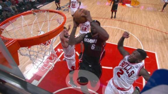 Nate Robinson somehow blocks LeBron James' shot, but Heat win to take 2-1 series lead over Bulls (Video)