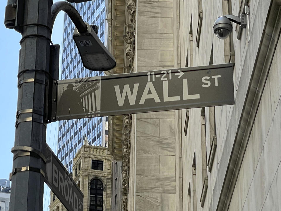 Photo by: zz/STRF/STAR MAX/IPx 2021 3/21/21 Atmosphere in and around Wall Street and The New York Stock Exchange in the Financial District of Lower Manhattan, New York City on March 21, 2021 during the worldwide coronavirus pandemic. Here, a Wall Street sign. (NYC)