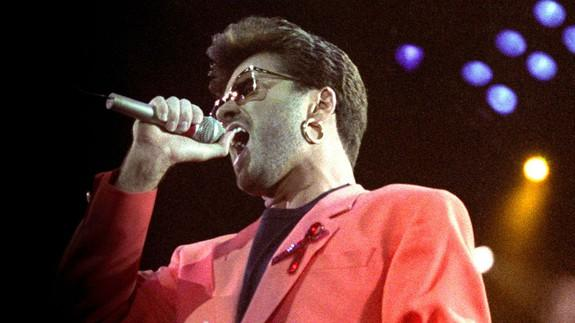 Behind-the-scenes footage of George Michael and David ...