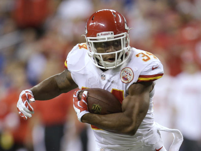 Kansas City Chiefs running back Knile Davis (34) runs during the first half of an NFL wild-card playoff football game against the Indianapolis Colts Saturday, Jan. 4, 2014, in Indianapolis. (AP Photo/AJ Mast)