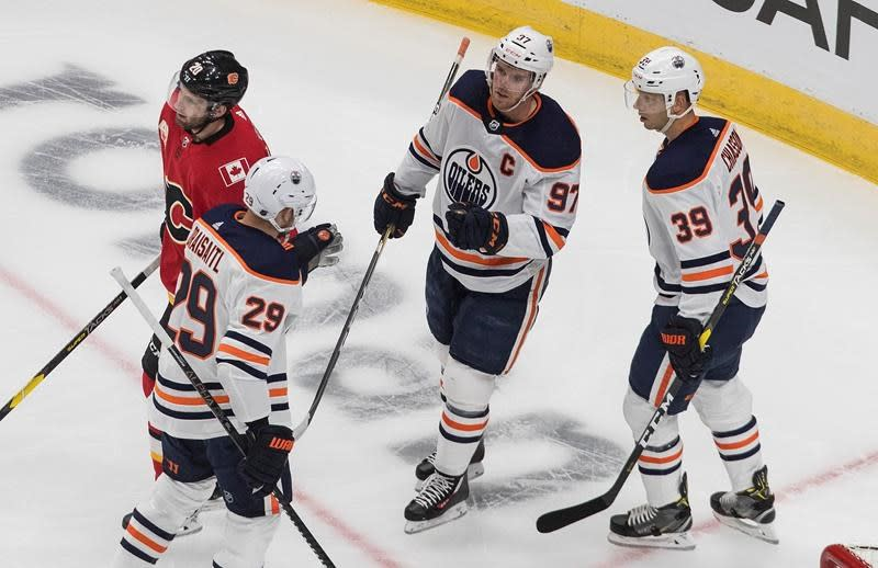 Oilers defeat Flames 4-1 in exhibition debut of Edmonton's NHL hub-bubble