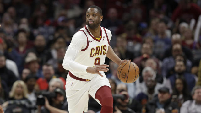 "<a class=""link rapid-noclick-resp"" href=""/nba/players/3708/"" data-ylk=""slk:Dwyane Wade"">Dwyane Wade</a> is heading back to Miami. (AP Photo/Tony Dejak)"