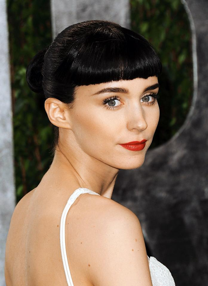 WEST HOLLYWOOD, CA - FEBRUARY 26:  Actress Rooney Mara arrives at the 2012 Vanity Fair Oscar Party hosted by Graydon Carter at Sunset Tower on February 26, 2012 in West Hollywood, California.  (Photo by Pascal Le Segretain/Getty Images)