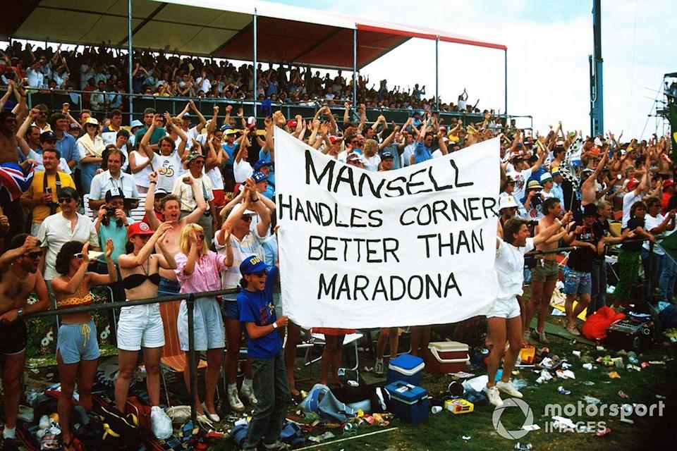 """Fans show their support for Nigel Mansell, Williams with a banner<span class=""""copyright"""">Sutton Images</span>"""