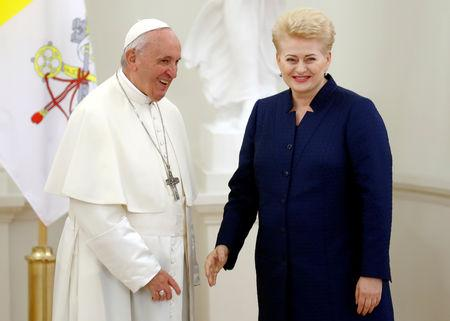 REFILE - CORRECTING TYPO  Lithuanian President Dalia Grybauskaite welcomes Pope Francis in Vilnius, Lithuania September 22, 2018. REUTERS/Ints Kalnins