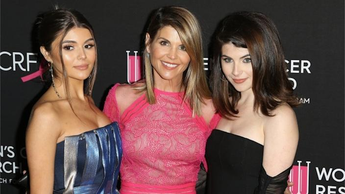 Lori Loughlin and her two daughters Olivia Jade Gianulli (L), and Isabella Gianulli (R)