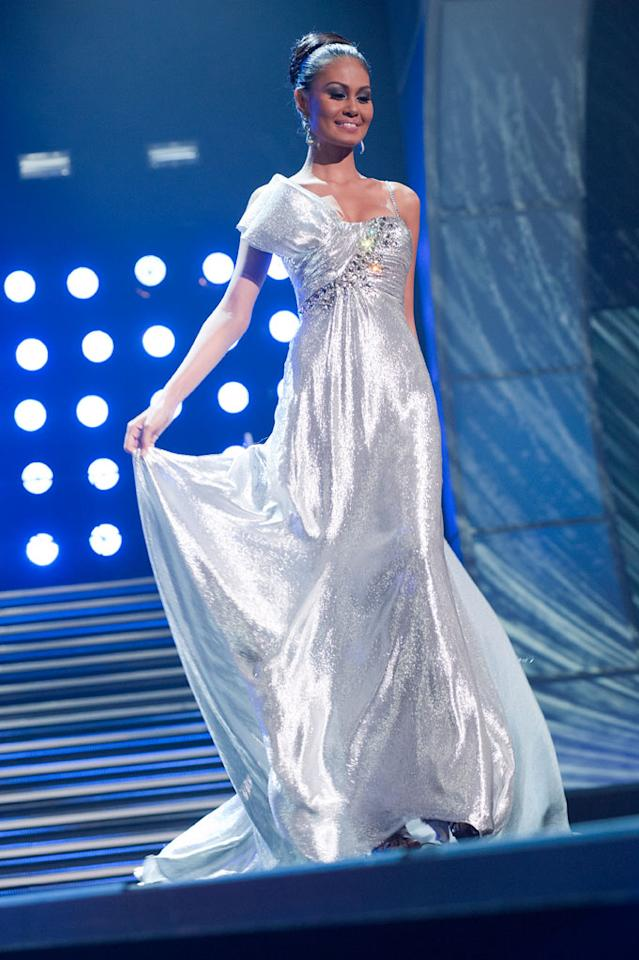"""Venus Raj, Miss Philippines 2010, poses for the judges during final voting at the live telecast of the <a href=""""/2010-miss-universe-pageant/show/46695"""">2010 Miss Universe</a> Pageant."""