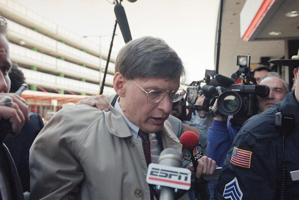 Acting Baseball Commissioner Bud Selig is surrounded by the media as he enters the O'Hare Hilton hotel in Chicago, April 2, 1995, for a meeting with major league owners. The owners were expected to accept the players' offer to return, paving the way for the season to start on April 26. (AP Photo/Mike Fisher)