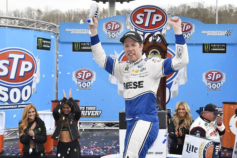 Keselowski dominates to win at Martinsville
