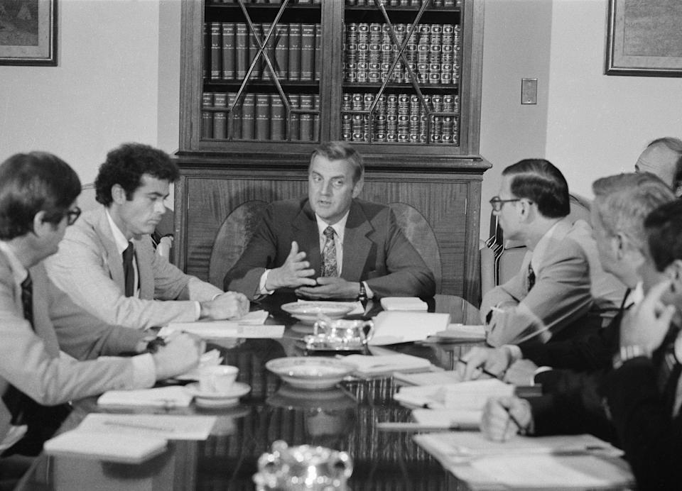 Vice President Walter Mondale chairs a meeting of the Energy Task Force in Washington D.C., June 27, 1979. From left are: Alvin Alm of the Department of Energy; Jack Watson, assistant to the president; Mondale; Stuart Eizenstat, assistant to the president for domestic affairs;Ernest Olsen of the Interstate Commerce Commission and Dan O