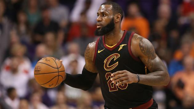 <p>NBA playoffs 2018: LeBron James takes control vs. Pacers in 1st quarter of Game 2</p>