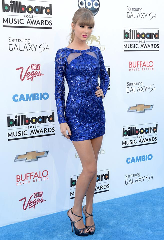 LAS VEGAS, NV - MAY 19:  Singer Taylor Swift arrives at the 2013 Billboard Music Awards at the MGM Grand Garden Arena on May 19, 2013 in Las Vegas, Nevada.  (Photo by Jason Merritt/Getty Images)