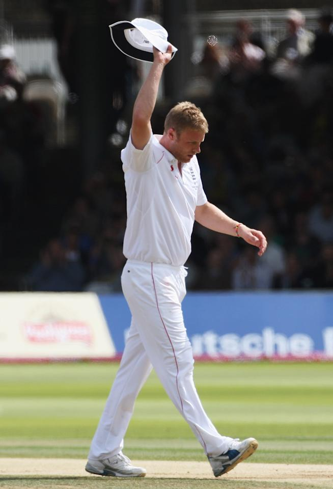 LONDON - JULY 20:  Andrew Flintoff of England acknowledges the applause during day five of the npower 2nd Ashes Test Match between England and Australia at Lord's on July 20, 2009 in London, England.  (Photo by Hamish Blair/Getty Images)