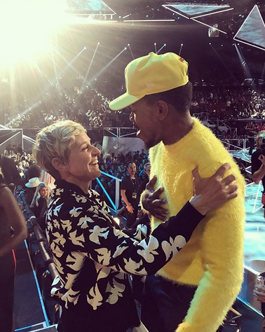 """<p>The talk show host, who was a presenter, was super excited to see Chance the Rapper. """"He's so talented,"""" she gushed. (Photo: <a href=""""https://www.instagram.com/p/BYUZmfIgcfY/?taken-by=theellenshow"""" rel=""""nofollow noopener"""" target=""""_blank"""" data-ylk=""""slk:Ellen DeGeneres via Instagram"""" class=""""link rapid-noclick-resp"""">Ellen DeGeneres via Instagram</a>) </p>"""