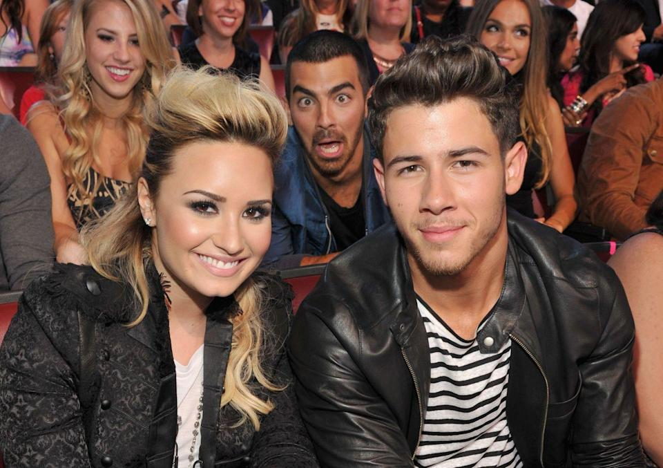 <p>Little known fact: Joe Jonas has the ability to do this with his face. </p>