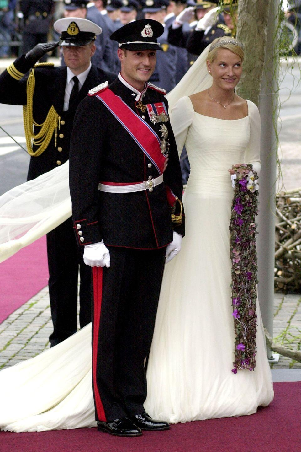 <p>Princess Mette-Marit married Norwegian Crown Prince Haakon on August 25, 2001 in Oslo, Norway at Oslo Cathedral. She wore a custom-dyed ecru silk crêpe with a 6-foot train and a nearly 20-foot veil.</p>