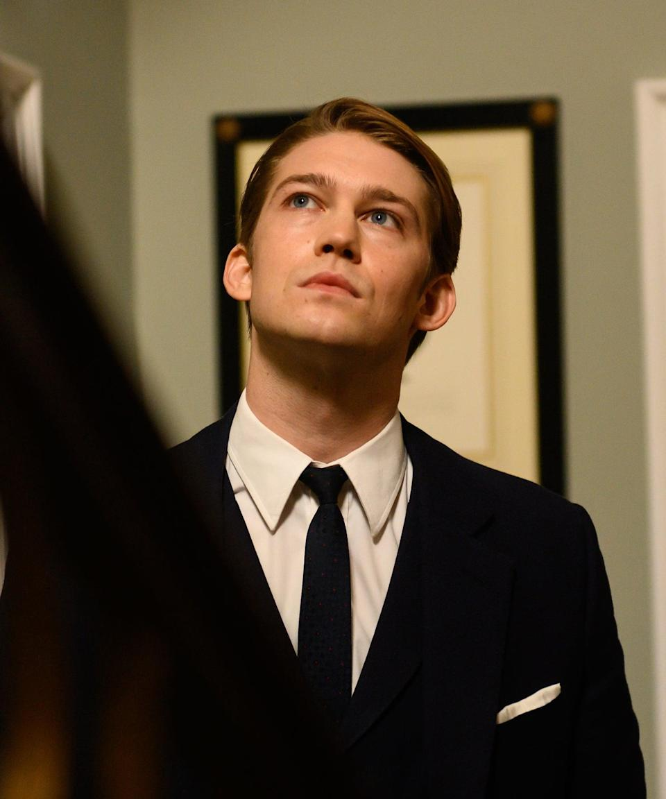 """<h2>Joe Alwyn Plays Laurence</h2><br>Laurence is Jennifer's husband, who — as you might expect — is rich, but terrible.<br><br>Laurence is played by Joe Alwyn, who is known for roles in <em>The Favourite</em>, <em>Billy Lynn's Long Halftime Walk</em>, and <em>Harriet</em>. He's also <a href=""""https://www.refinery29.com/en-us/2018/09/210493/joe-alwyn-talks-about-dating-taylor-swift"""" rel=""""nofollow noopener"""" target=""""_blank"""" data-ylk=""""slk:known for dating Taylor Swift."""" class=""""link rapid-noclick-resp"""">known for dating Taylor Swift. </a><span class=""""copyright"""">Photo: Courtesy of Netflix.</span>"""