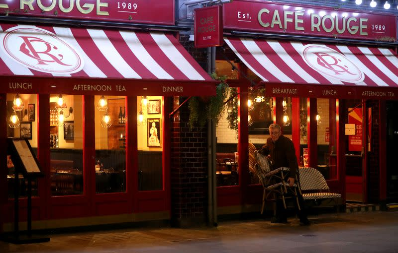 Cafe Rouge owner appoints administrators, cuts 1,909 jobs