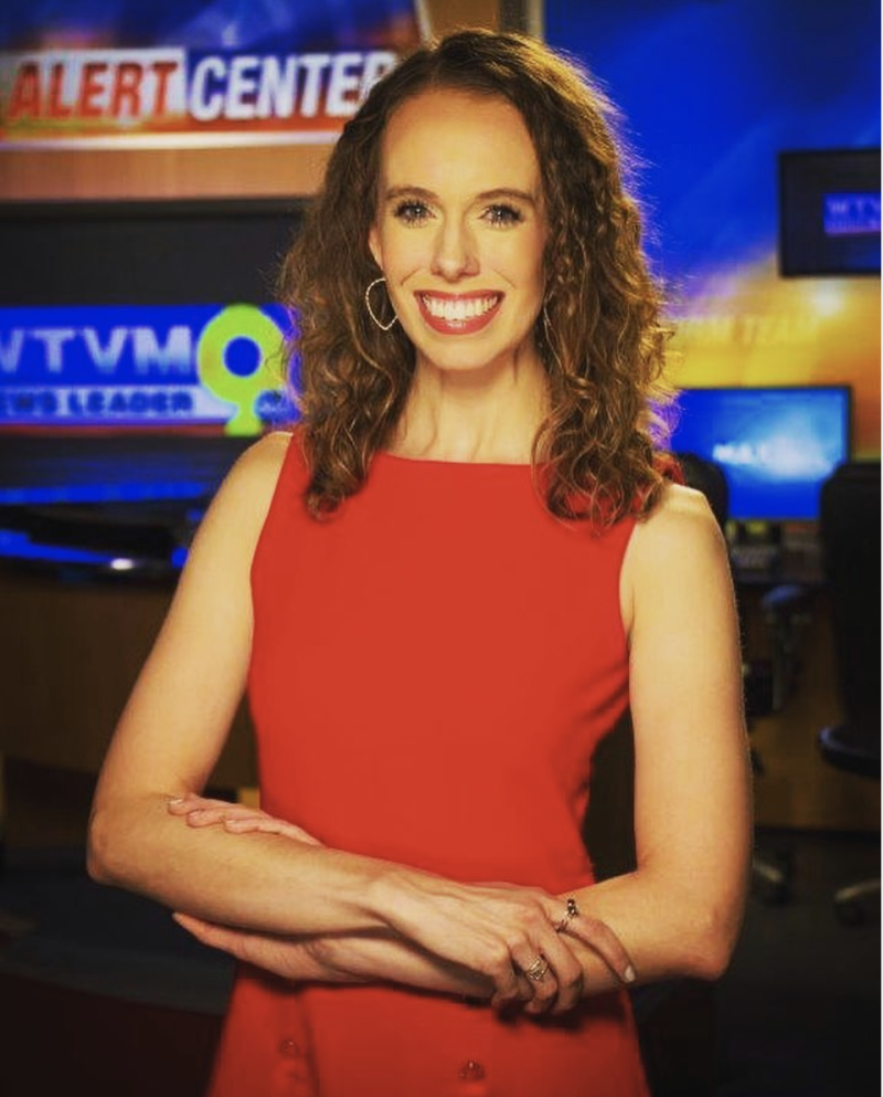 WTVM meteorologist Lauren Linahan snapped back at a viewer who criticized her on-air dresses. (Photo: Instagram/theweatherlo)