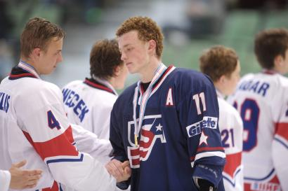 Team USA's Jack Eichel (front R) shake hands with Czech Republic's players after their gold medal game at the Ice Hockey U18 World Championships 2014 in Lappeenranta, Eastern Finland April 27, 2014. Team USA won the match. REUTERS/Martti Kainulainen/Lehtikuva (FINLAND - Tags: SPORT ICE HOCKEY) ATTENTION EDITORS - THIS IMAGE HAS BEEN SUPPLIED BY A THIRD PARTY. IT IS DISTRIBUTED, EXACTLY AS RECEIVED BY REUTERS, AS A SERVICE TO CLIENTS. NO THIRD PARTY SALES. NOT FOR USE BY REUTERS THIRD PARTY DISTRIBUTORS. FINLAND OUT. NO COMMERCIAL OR EDITORIAL SALES IN FINLAND