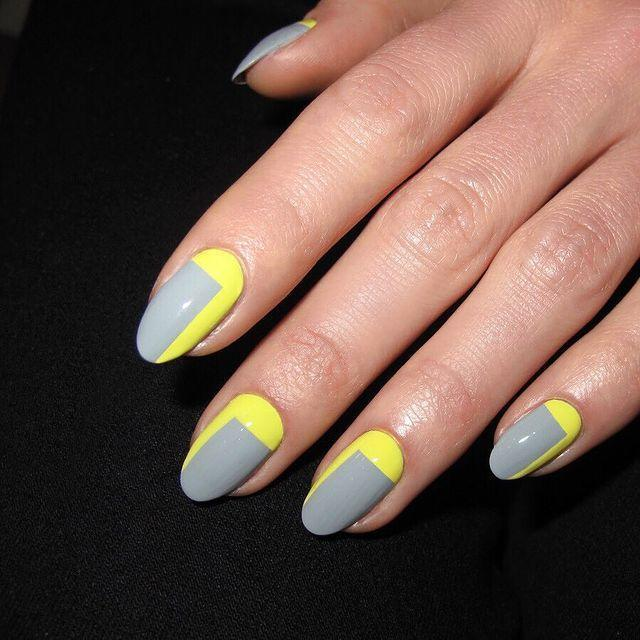 """<p>We love the simplicity of this neon yellow and concrete grey design. </p><p><a href=""""https://www.instagram.com/p/Bh5EKd0nU4k/"""" rel=""""nofollow noopener"""" target=""""_blank"""" data-ylk=""""slk:See the original post on Instagram"""" class=""""link rapid-noclick-resp"""">See the original post on Instagram</a></p>"""