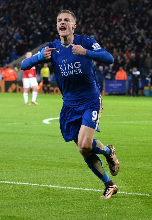 Leicester City's striker Jamie Vardy celebrates after scoring during the English Premier League football match between Leicester City and Manchester United in Leicester, central England on November 28, 2015 (AFP Photo/Oli Scarff)