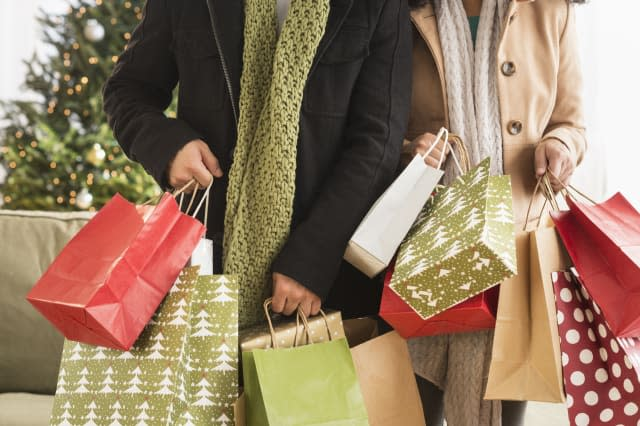how to cut the cost of Christmas shopping