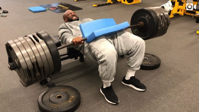 James Harrison did hip thrusts with almost 700 pounds. (Instagram/jhharrison92)