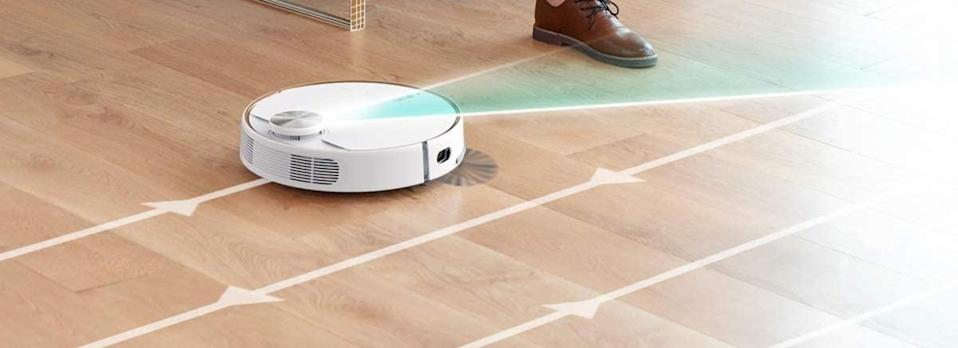 Save 27 percent on this eufy RoboVac L70 Hybrid. (Photo: Anker)