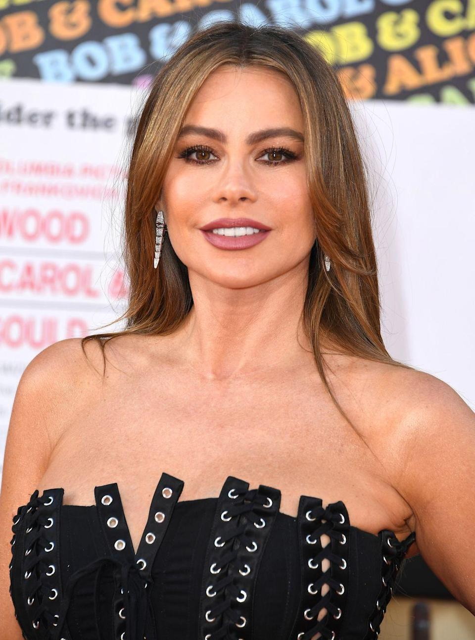 """<p>Sofía was born in Barranquilla, Colombia to her mother, <strong>Margarita Vergara Dávila de Vergara</strong>, and father,<strong> Julio Enrique Vergara Robayo</strong>. In 2015, she became <a href=""""https://www.sandiegouniontribune.com/en-espanol/sdhoy-sofia-vergara-receives-star-on-hollywoods-walk-of-2015may07-story.html"""" rel=""""nofollow noopener"""" target=""""_blank"""" data-ylk=""""slk:the first actress from her country"""" class=""""link rapid-noclick-resp"""">the first actress from her country</a> to have her name on the Hollywood Walk of Fame. Sofía earned widespread recognition for her role playing Gloria in the popular ABC comedy series <em>Modern Family</em>. She also rose to prominence acting in <em>Chasing Pap</em><em>i</em>, <em>Meet the Browns</em> and <em>Madea Goes to Jail</em>. </p>"""