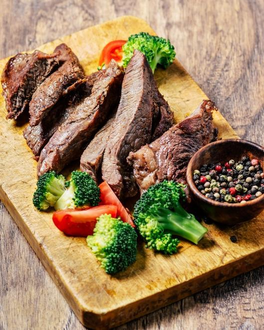 <p>Only eat foods that our caveman ancestors had available. Why: Avoiding the nasties of modern diets, this diet is nutrient rich and is designed to train your body to crave healthy foods. Drawbacks: The modern day equivalent of caveman foods can vary, so the definition of what's allowed is not quite clear. </p>