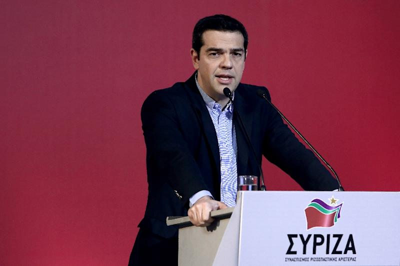 Greek Prime Minister Alexis Tsipras delivers a speech at the Syriza party headquarters in Athens, February 28, 2015 (AFP Photo/Angelos Tzortzinis)