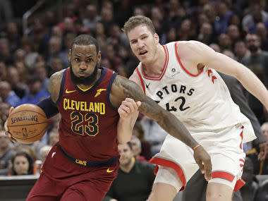 LeBron scored 35 points, passed out 17 assists and had seven rebounds with no turnovers, making the most assists in any NBA game by a player without losing the ball.