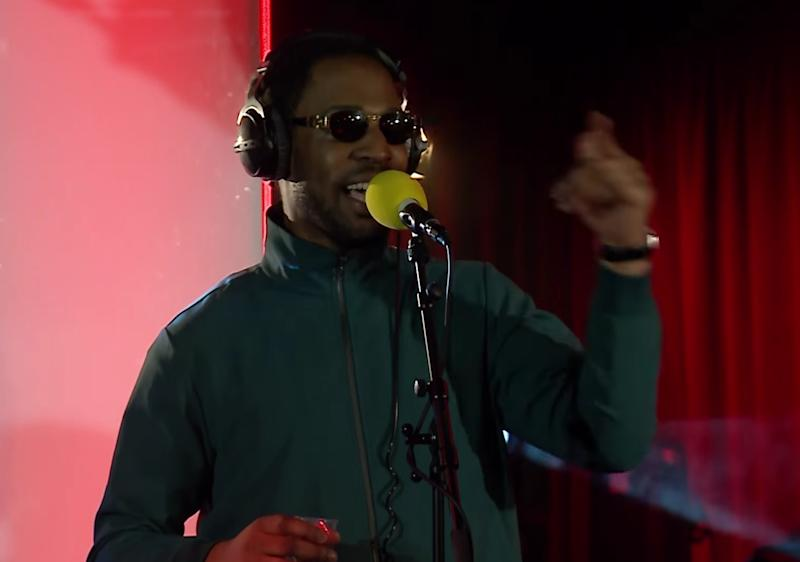 """Watch Avelino Cover Chance The Rapper's """"All Night"""""""