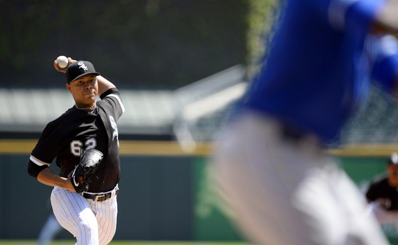 Jose Quintana #62 of the Chicago White Sox pitches against the Kansas City Royals on April 26, 2017 at Guaranteed Rate Field in Chicago, Illinois. The White Sox defeated the Royals 5-2.